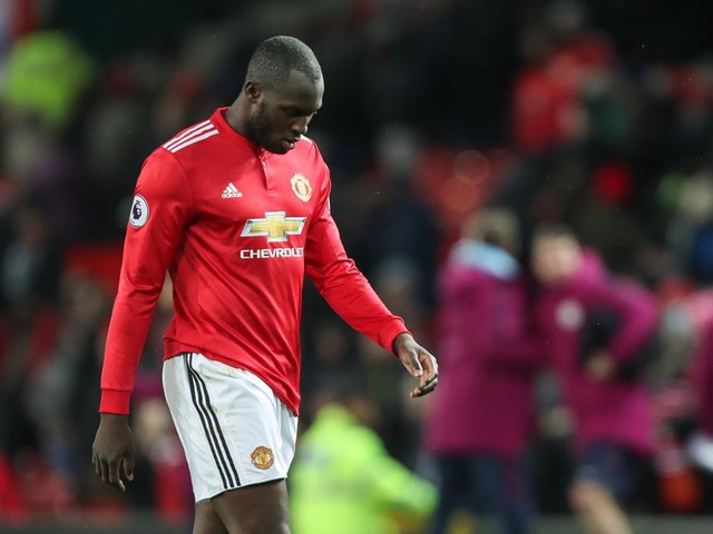 Romelu Lukaku 'bullied' by Nicolas Otamendi during Manchester derby, says Alan Shearer