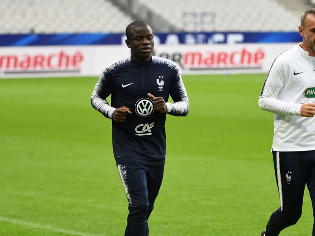 N'Golo Kanté back in light training for France