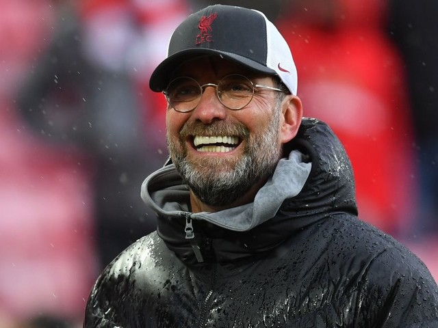 Liverpool eye move for Jadon Sancho 'alternative' as midfielder tipped to leave