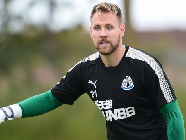 Rob Elliot ready to fight for Newcastle No.1 shirt after missing over a year with knee injury