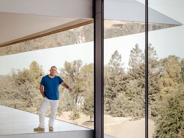 Apple Design Chief Jony Ive: iPhone X Will 'Change and Evolve' Over Time