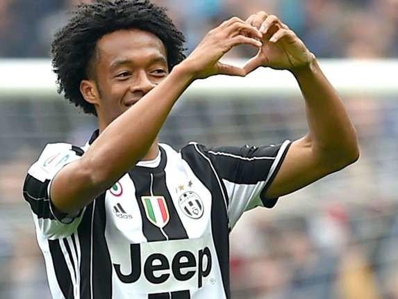 Juventus open to selling €30m Cuadrado