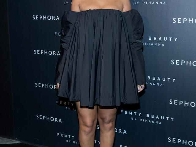 """Rihanna wore a bizarre Calvin Klein dress & still looked amazing"" links"