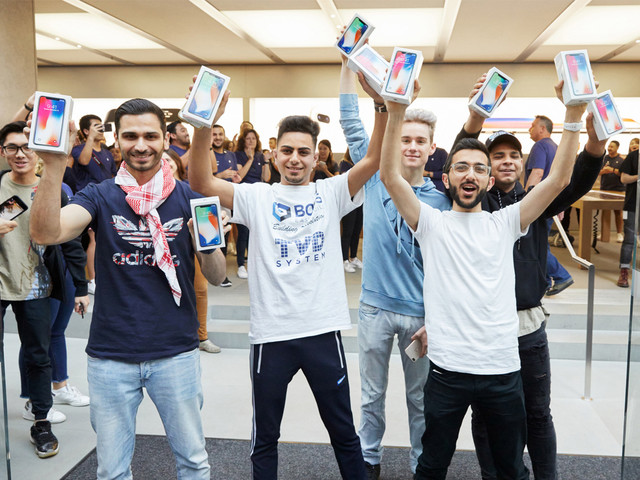 Apple Celebrates iPhone X Launch Day as Sales and Deliveries Begin Around the World