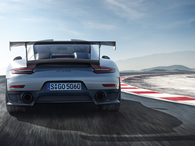 Hardcore Porsche 911 GT2 RS makes Goodwood debut - with launch video