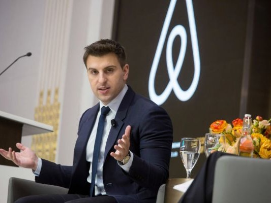 Airbnb pledges $10 million to New York charities