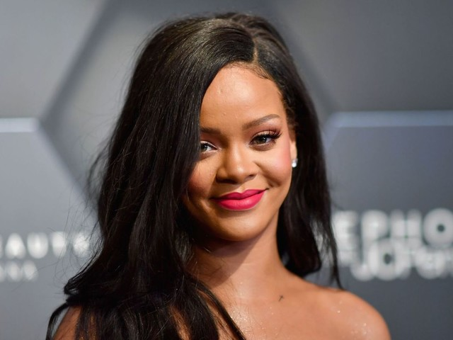 Councillor who told Rihanna to cover up loses seat
