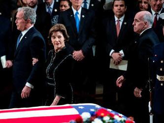 Late president Bush lies in state in Washington