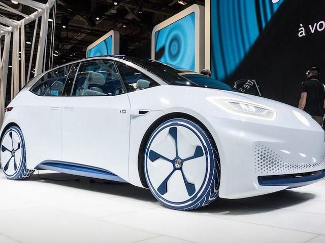 VW won't show its new Golf in Frankfurt, will debut I.D. hatch instead - Roadshow
