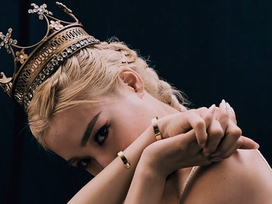 """Tiffany Young Teases New Single """"Born Again,"""" Announces 'Lips On Lips' EP"""
