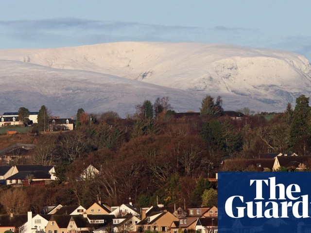 UK weather: snow and ice warnings as cold snap forecast