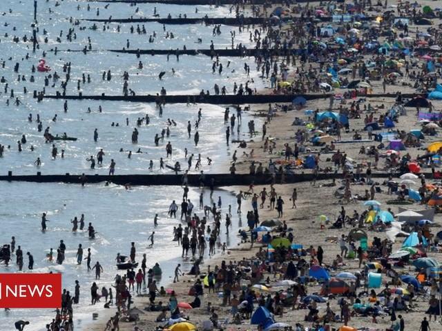 Coronavirus: Volunteers to help with Bournemouth beach patrols