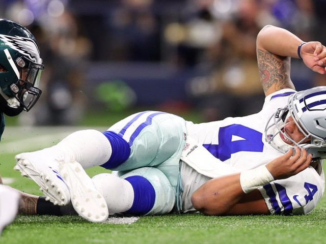 The Dallas Cowboys are falling apart without Ezekiel Elliott