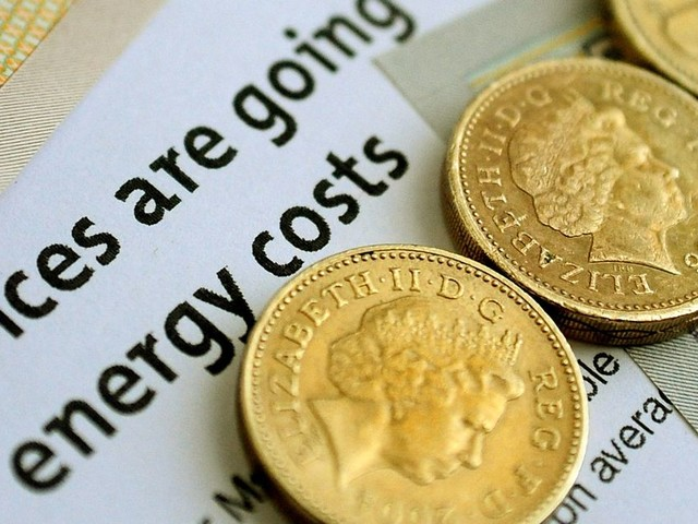 Applications open for £140 discount on energy bills this winter - register now