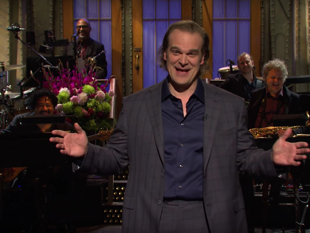 Stranger Things' David Harbour blurts out fate of Hopper as he's grilled during live sketch show