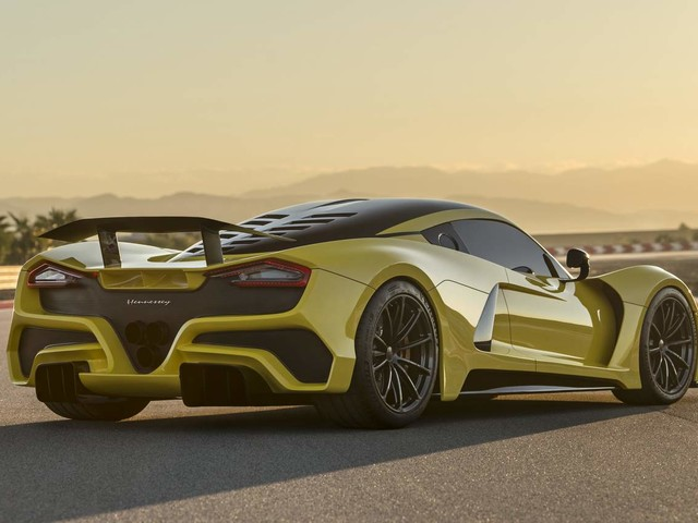 Hennessey Venom F5 makes global debut – Claims 484 kmph top speed