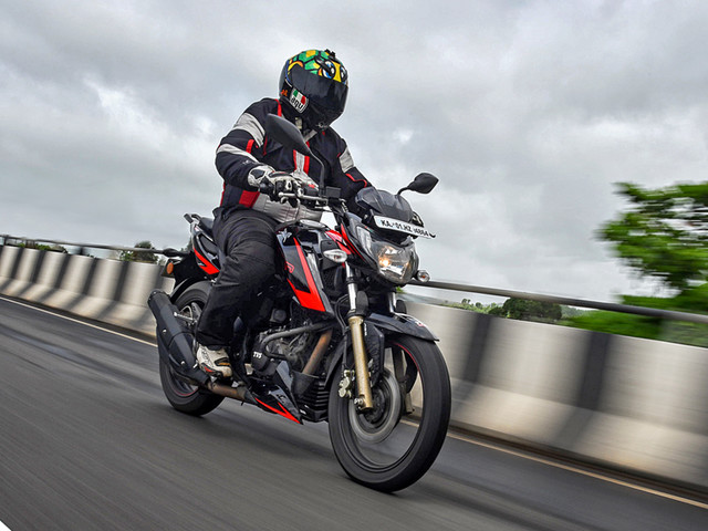 Review: 2018 TVS Apache RTR 200 4V Race Edition 2.0 review, test ride