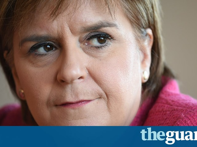 Nicola Sturgeon tells May to ignore 'extreme Brexiteers' during EU summit
