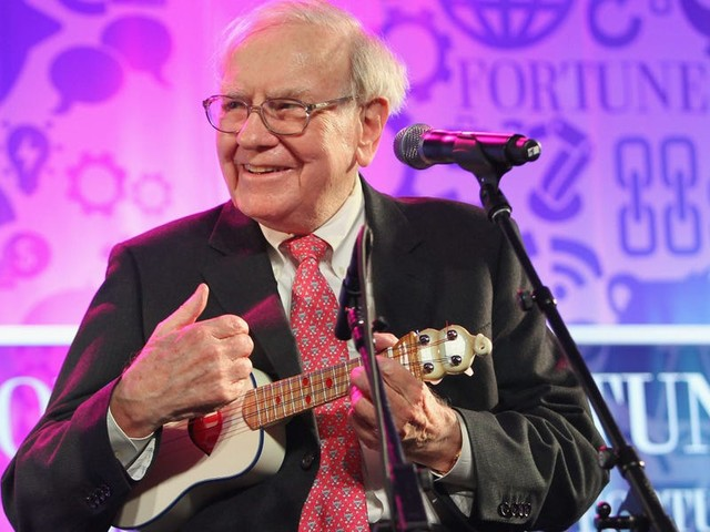 Warren Buffett is the world's sixth-richest man. Here's how the notoriously frugal billionaire spends his $84.6 billion fortune.