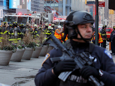 Four hurt in 'attempted terror' blast in NY subway (Updated)