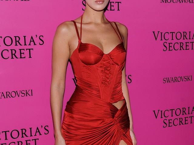 """""""The Shanghai Victoria's Secret show looked like a total snoozefest"""" links"""