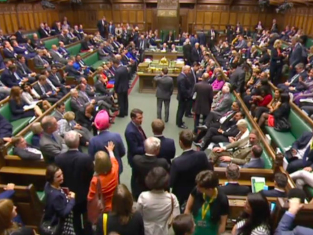 EU Withdrawal Bill Clears First Commons Hurdle As Pro-EU Tory MPs Back Government