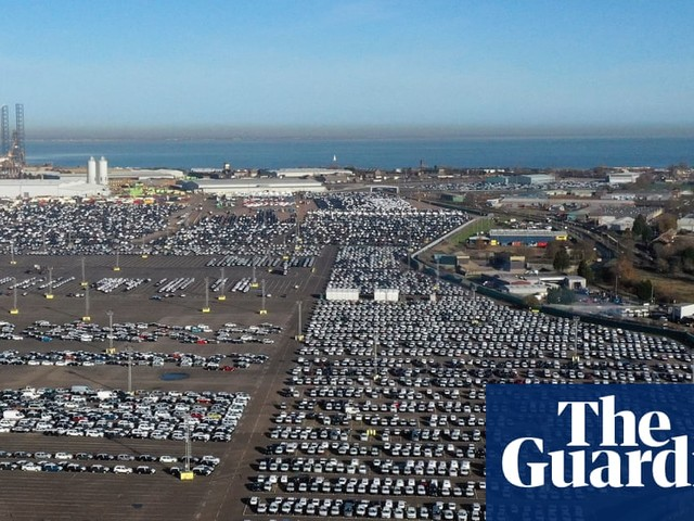 UK carmakers plead for clarity as they stockpile parts and cars for Brexit