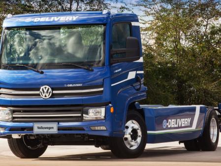 Volkswagen Caminhões e Ônibus introduces e-Delivery electric truck, e-Flex Volksbus architecture
