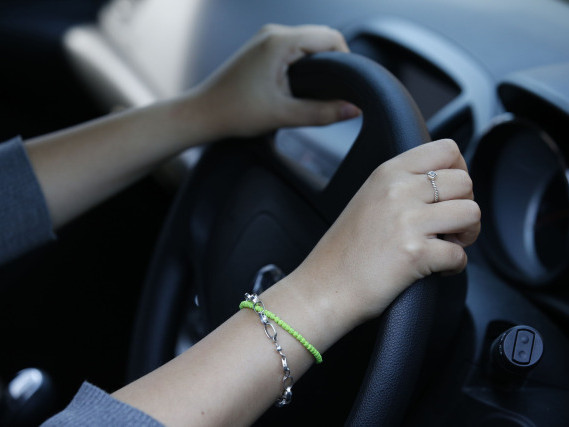 Average car insurance premium up £90 over last year, analysis shows