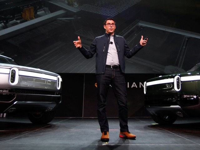 Amazon's investment in an electric truck company could spell doom for Tesla's dominance, a widely followed Wall Street analyst says (AMZN, TSLA)