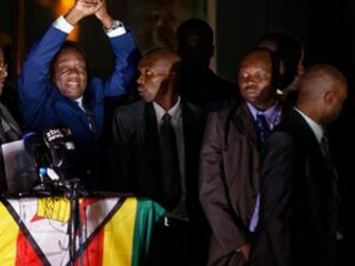 Zimbabwe's incoming leader returns home to cheers