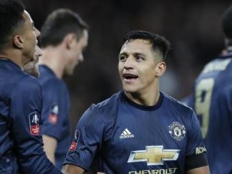 United's Sanchez returns to haunt Arsenal in Cup win