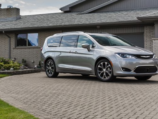 "50,000 Chrysler Pacificas Recalled for Seatbelts Unlatching During ""Extreme Handling"""