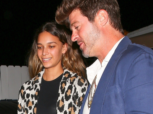 Robin Thicke & Pregnant Girlfriend April Love Geary Couple Up For Dinner Date