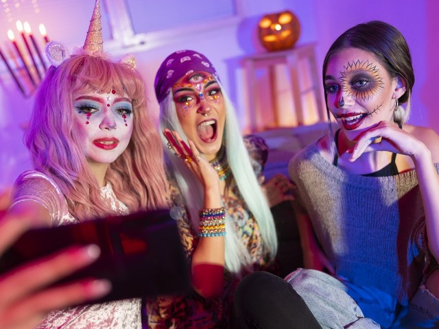 8 Instagram Reel Ideas For Halloween That'll Make This Halloween Reel-y Fun