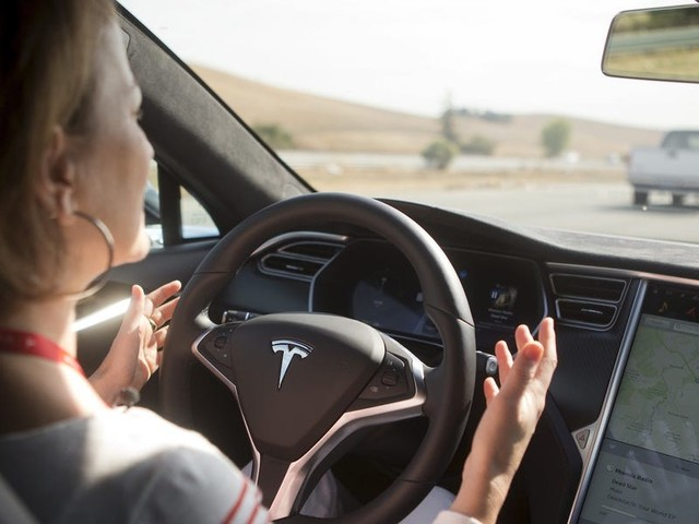 German court rules Tesla's Autopilot claims are misleading and bans the company from using them in ads (TSLA)