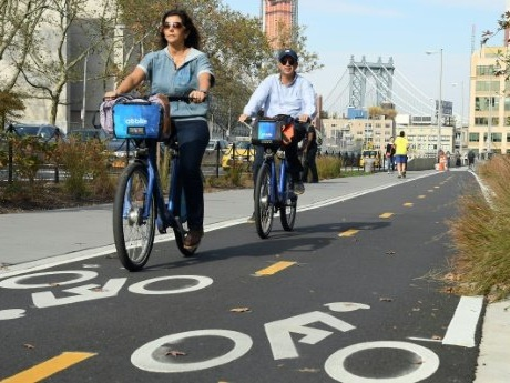 Free wheelin' in New York: the Big Apple bike boom