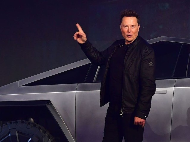 Tesla's biggest problem with self-driving cars is that it actually has to sell them to customers (TSLA)