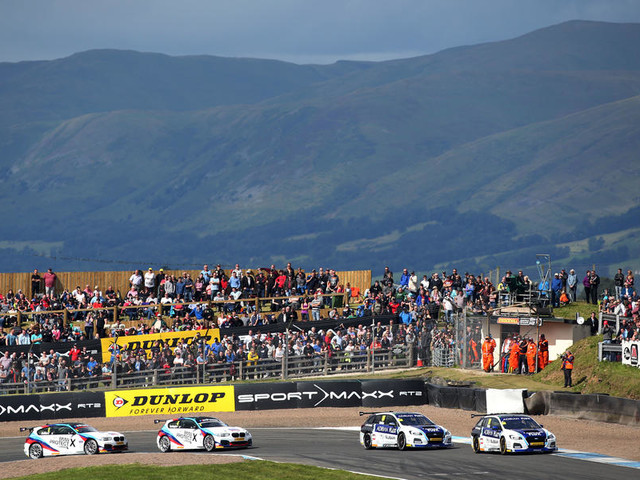 BTCC 2017: Subaru pair Plato and Sutton dominate at Knockhill