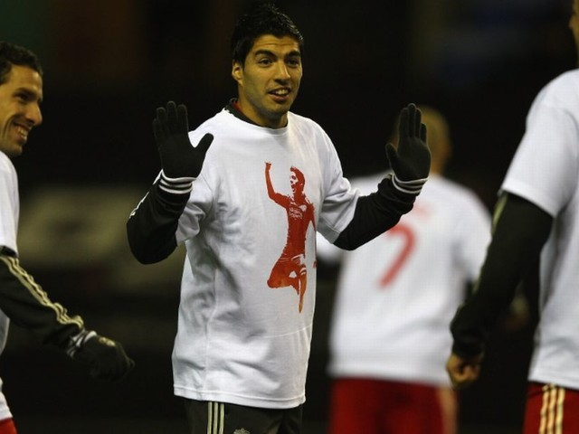 5 times football clubs embarrassed themselves beyond belief with unnecessary T-shirt gestures to teammates