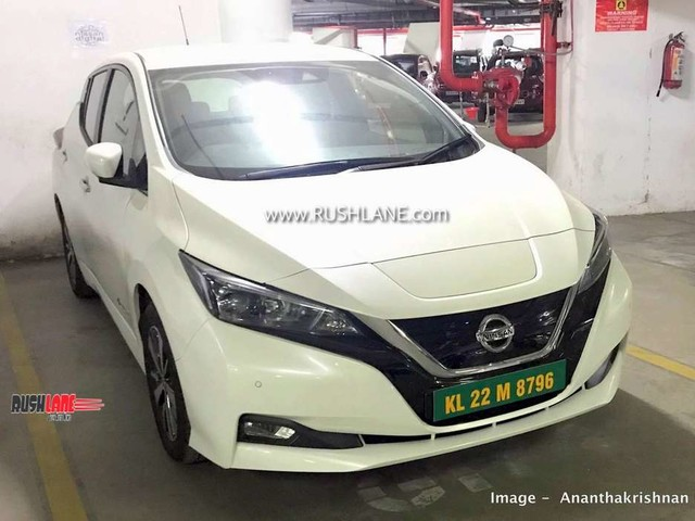 Nissan Leaf with green number plate spied – Launch soon