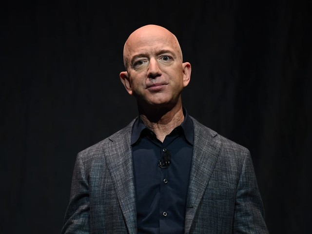 Jeff Bezos's 'shadow' advisor position is empty for the first time in years as Amazon and his personal life face unprecedented scrutiny — here are the 7 most successful executives who once filled that role (AMZN)