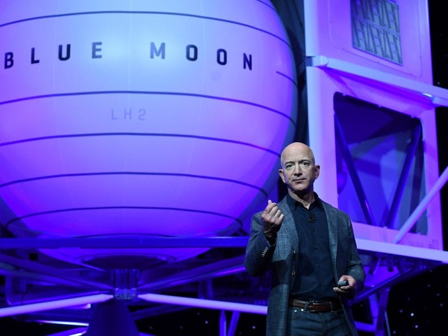 JeffBezosis about to take an 11-minute flight to the edge of space. Here's how his childhood obsession with the cosmos led to Blue Origin's unprecedented spaceflight.