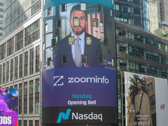 The CEO of ZoomInfo explains the cloud platform's successful IPO in the middle of the pandemic and why he stopped checking the stock price constantly: 'I quit cold turkey' (ZI)