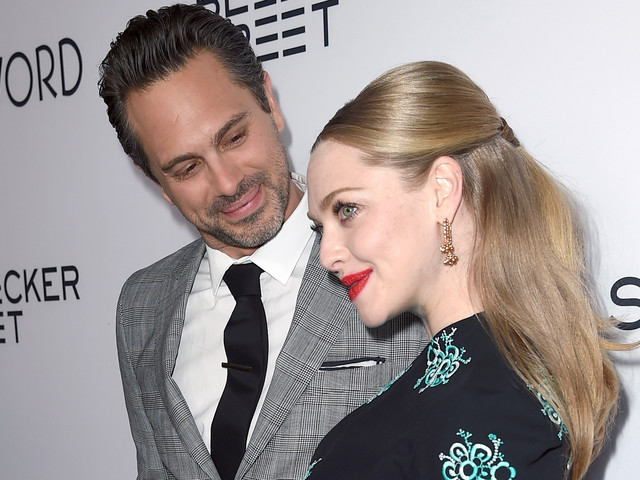 Amanda Seyfried & Thomas Sadoski Attend 'The Last Word' Premiere While Preparing For Baby's Arrival
