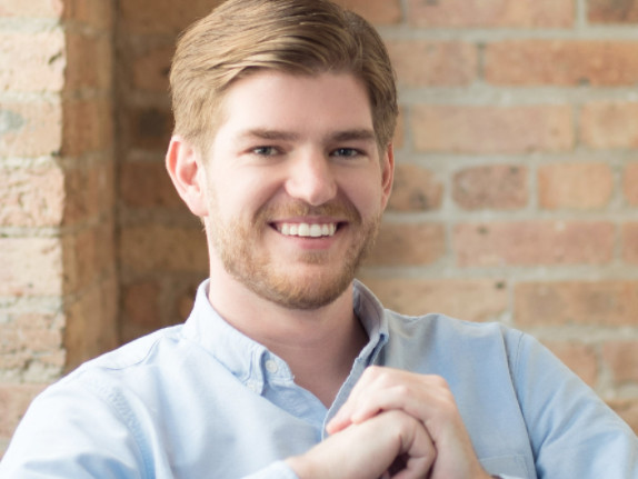 An investing platform founded by a 25-year-old went free — and now it's facing a backlash from its rivals