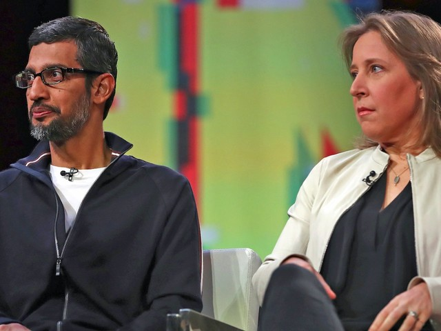 With Google's ad revenue growth slumping, the pressure for Alphabet to blow up its earnings report and tell a new story is stronger than ever (GOOG, GOOGL)