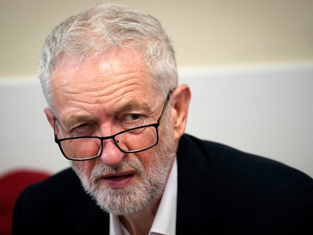 Jeremy Corbyn says Brexit talks with Theresa May are on the brink of collapse as PM still wants trade deal with Donald Trump