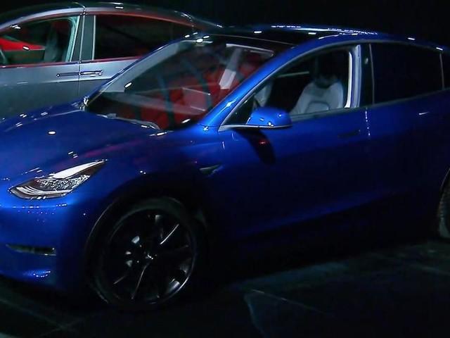 Tesla Model Y crossover SUV unveiled - Roadshow