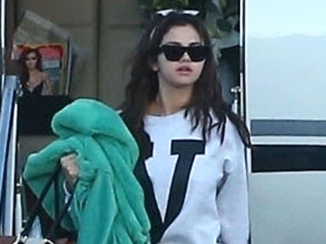 Selena Gomez Jets Back to LA After Quick Trip Out of Town